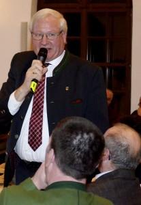 Mondsees Bürgermeister Karl Feurhuber ist für die Gemeindezusammenlegung...