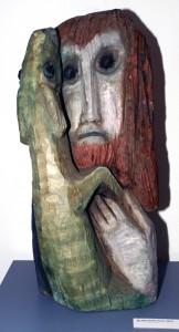 Typisch Mairhofer-Irrsse. Diese wuchtige Skulptur stellt Johannes den Täufer dar